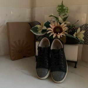 UGG TAYA Sneaker size 8.5 black